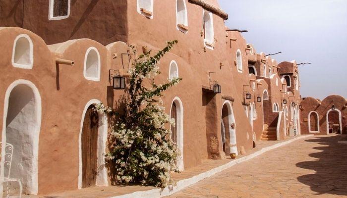 réservation hôtel pas cher Tunisie réservation maison d'hôte pas cher Tunisie réservation hôtel sud Tunisie réservation maison d'hôte sud Tunisie Sahara tunisie Douz Tozeur Djerba